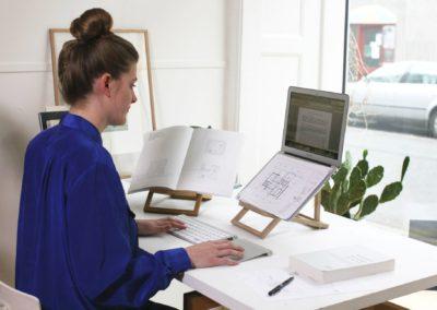 laptopstand-standing1